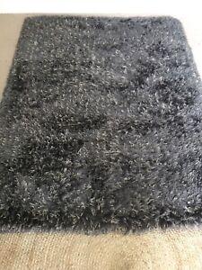 Wanted: Shaggy Rug 133cm x 180cm charcoal colour