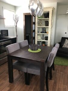 Downtown Fully Furnished 1 Bedroom Suite