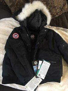 NOT AUTHENTIC Canada Goose Bomber Jacket