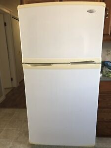 Whirlpool Gold Fridge with water and ice