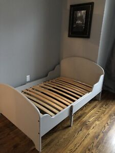 Extendable Toddler Bed