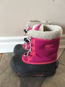 Toddler size 10 Sorel boots