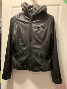 Women's size m. Brand new leather coat