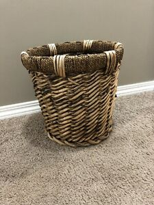 Basket / Planter