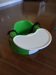 Bumbo - green with straps and tray