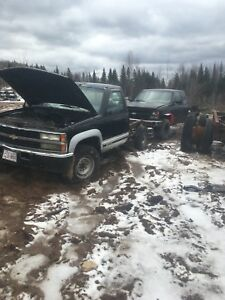2 Chevy 4x4 6.5 diesel trucks for part out only
