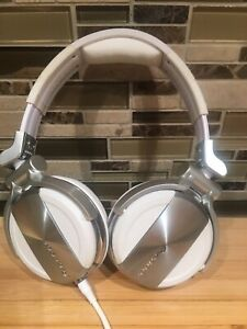 *^MINT CONDITION** Pioneer HDJ-1500 PRO DJ HEADPHONES USED 1X!