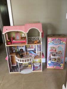 Magnolia Mansion Doll House -Play House -Toy  Structure