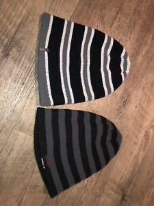 2 tuques , 2 winter hats O'Neil neuve, brand new