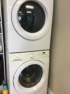 Washer and dryer Frigidaire stacking set