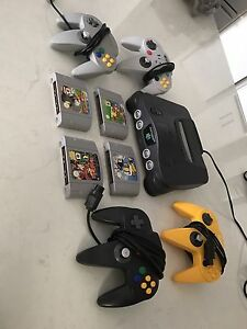 Nintendo 64, 4 games, 4 controllers Hocking Wanneroo Area Preview