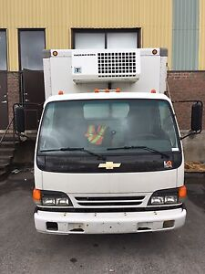 GMC 3500, CUBE 2005 REFRIGERATION