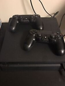 PS4 Slim, 8 games, 2 controllers
