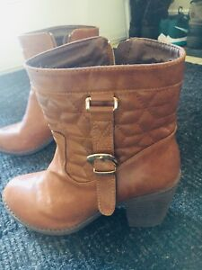 Women's US size 8 leather boots