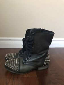 STEVE MADDENS COMBAT BOOTS WITH STUDS