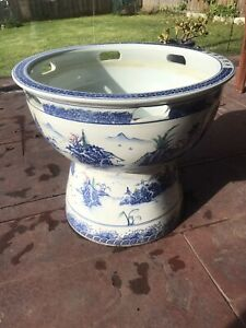 EXCELLENT ELEGANT FINE CHINA DECORATION PIECE Wantirna Knox Area Preview