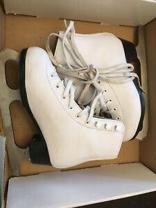 Girls Figure Skates - Size Youth 13 - Excellent Condition!!