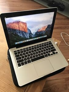 """Early 2011 13"""" MacBook Pro (Great Condition Low Cycles)"""
