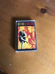 Guns n Roses - Use Your Illusions I    cassette