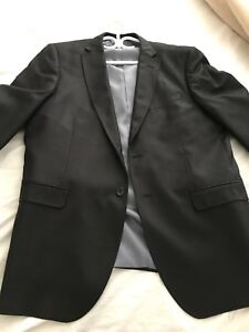 Charcoal suit for men with ties / habit complet avec cravates