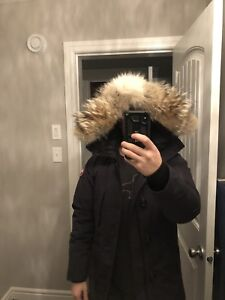 Canada Goose Chateau Parka Mens Small Navy pre-owned