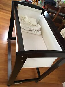 Tasman Eco Bassinet mocha Balgowlah Heights Manly Area Preview
