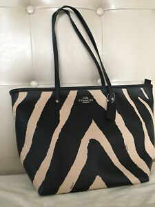 Authentic Coach tote bag / purse - new with tag