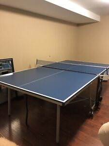 Brand new ish tennis ping pong table