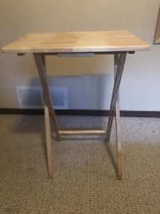 Small Folding Tables (1 x $15 - 2 x $25)