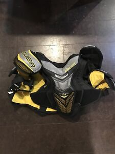 Bauer Total One NXG Shoulder Pads XL