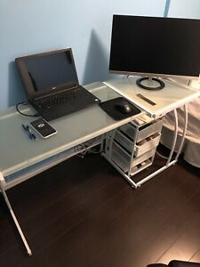 Modern study desk! Lightweight!