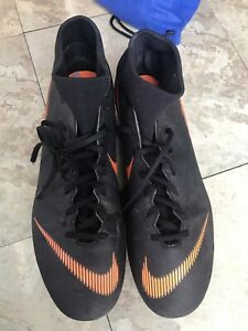 Size 12 Soccer Cleats - Nike Size 12 Great Condition