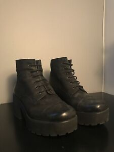 L'intervalle Shoes (boots)