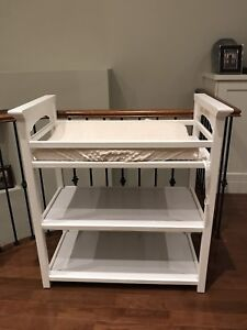 Graco Lauren Change Table with new change pad