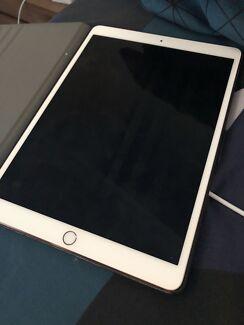 64gb rose gold iPad Pro 10.5 inch