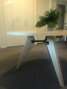 Replica Jean Prouve round dining table 120 cm