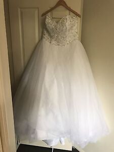 Wedding Dress Size 16-18 Mia Solano - hoop skirt included McDowall Brisbane North West Preview
