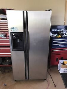 "GE double door fridge -33"" wide"