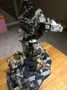 Titanfall collectors edition statue
