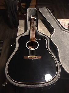 Tanglewood Acoustic/Electric Guitar