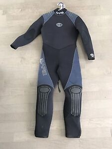 BARE Wetsuit and Shorty Combo