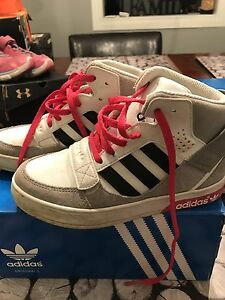 Adidas he defender leather shoes child size 12 $35