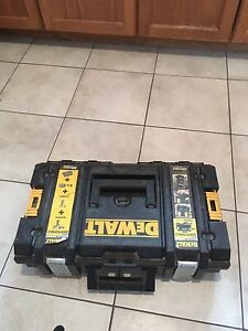Dewalt 20v lithium ion. Great condition!!