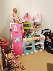 Toy kitchen, prams, hairdressing salon and more! Kuraby Brisbane South West Preview
