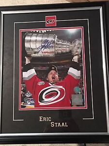 Eric Staal signed framed 8x10