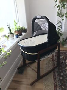 Uppababy 2017 Bassinet and Jolly Jumper stand
