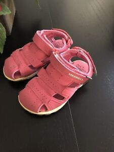 Toddler Girls size 7 Merrell sandals