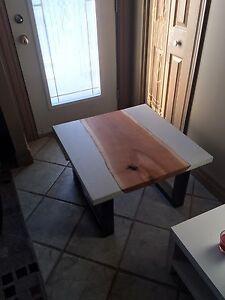 Table de salon beton et bois