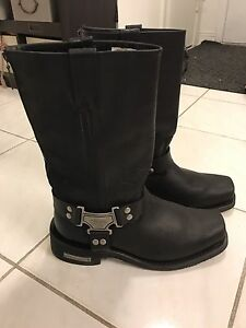 Milwaukee Male 10.5 riding boots real leather.