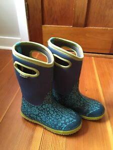 Bogs winter boots Size3